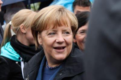 Merkel_laecheln